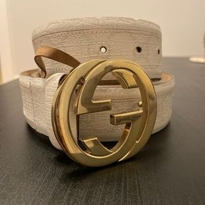 White Gucci logo leather belt